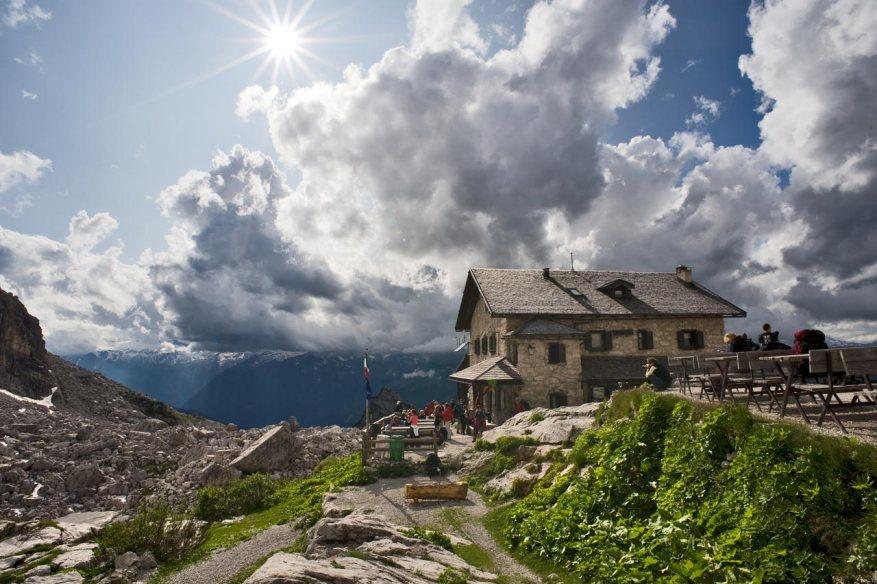 Val-Fassa-Rifugio_Roda-di-Vael