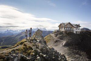 Fototeca Trentino Sviluppo S.p.A.; Fotografo: Daniele Lira, Soggetto: Val di Fassa - Costabella - Rifugio Le Selle